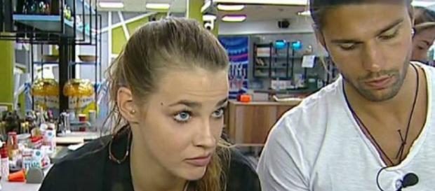 Luca Onestini e Ivana Mrazova: giochi, scherzi e chiacchiere fino ... - chedonna.it