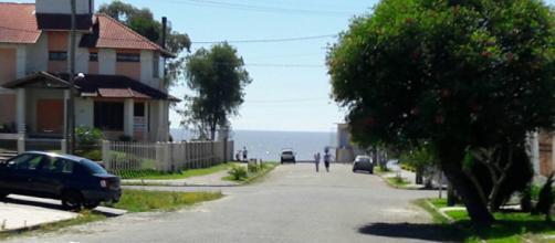 A linda praia de Barra do Ribeiro, no Rio Grande do Sul.