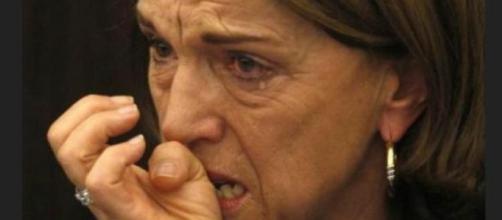 Elsa Fornero in lacrime dopo l'approvazione della sua riforma. Salvini la attacca