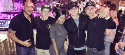 Faith Stowers poses with Jax Taylor and others. - [Photo via Faith Stowers / Twitter]