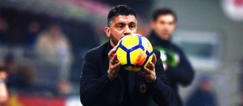 Gattuso cerca di mangiare il pallone