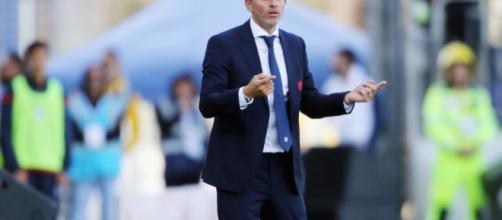 Il mister del Cagliari Diego Lopez