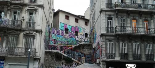 Marseille, la ville hyper contrasté, où les cultures cohabitent et s'entrechoquent