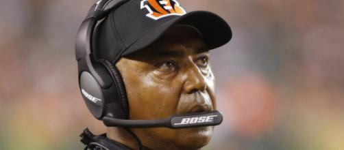 Marvin Lewis tight-lipped on why Joe Mixon didn't carry ball in ... - usatoday.com