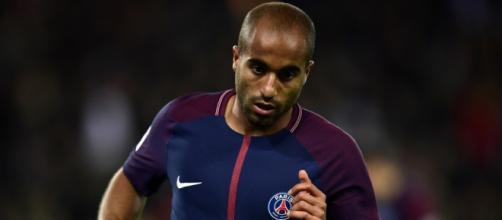 Mercato: Manchester United intéressé par Lucas? - bfmtv.com