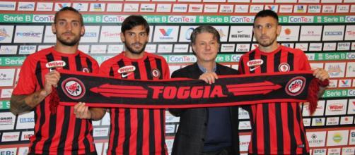Nello scatto, da sinistra verso destra, Denis Tonucci, Marco Zambelli, Lucio Fares (presidente del Foggia Calcio) e Leandro Greco