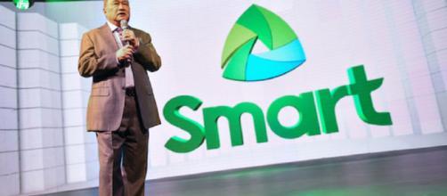 PLDT y Smart Manny V. Pangilinan, presidente y consejero delegado, pronunciaron la apertura en la primera Smart Unbox de la empresa.