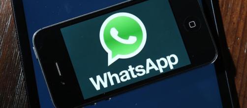 spiare whatsapp reato