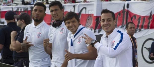 Atletas do Corinthians em uma foto. (Foto Reprodução).