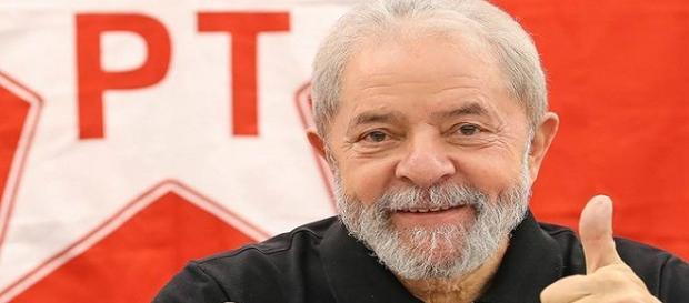 Ex-presidente Lula em comício no Rio de Janeiro se lançou candidato a Presidência da República. (Foto Reprodução).