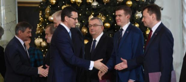 Rekonstrukcja rządu, nowi ludzie, ale wódz ten sam (fot. dziennik.pl)
