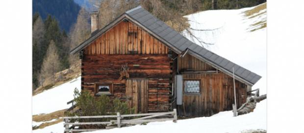 Six ways to beat cabin fever. - [Image via cocoparisienne Pixabay]