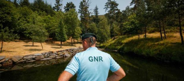 Um militar da GNR de Castelo Branco foi apedrejado numa perseguição policial.