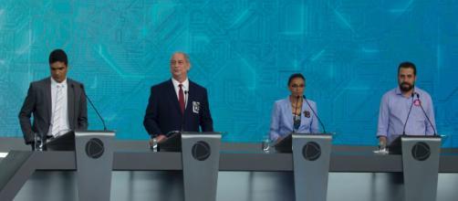 Debate ocorreu na Rede Record neste domingo