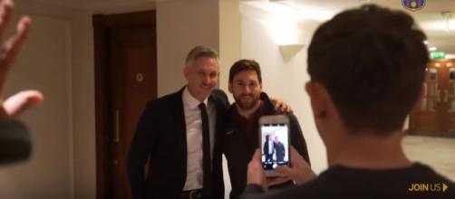 Lineker com Messi [Imagem via YouTube]