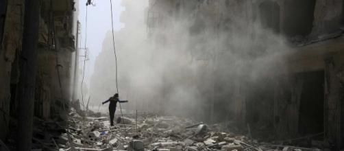 Síria: Uma guerra com sete anos e que já matou 320 mil pessoas - noticiasaominuto.com