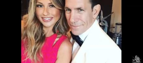 Former Bravo reality stars, Thomas Ravenel and Ashley Jacobs, put on PDA while dining out together. [Image Source: Gossip And More - YouTube]