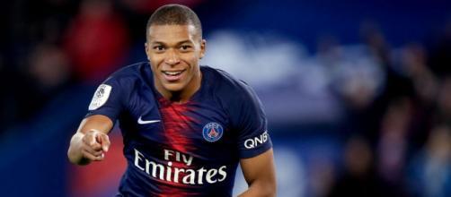 PSG : Kylian Mbappé défend la Ligue 1