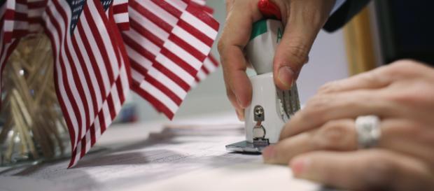 Inmigrantes ilegales son investigados por las autoridades estadounidenses. - univision.com