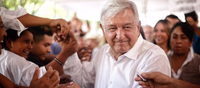 López Obrador apoya la construcción del nuevo aeropuerto en Ciudad de México