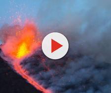 Il versante sud-est dell'Etna sta scivolando in mare per via della forza di gravità.
