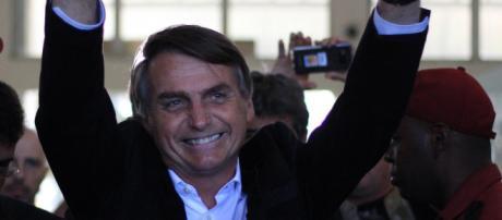 Bolsonaro tem 58% da intenção dos votos válidos