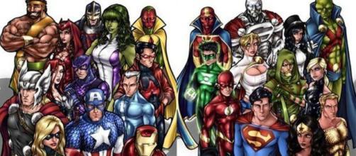 A Liga da Justiça ao lado dos Vingadores.