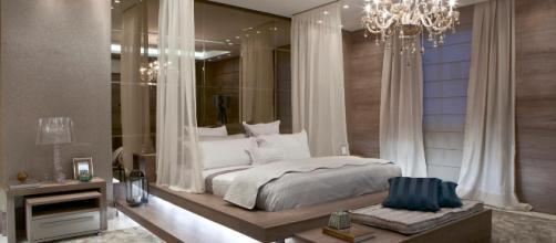 Além de definir as preferências do casal, é essencial analisar o espaço antes de iniciar a decoração.