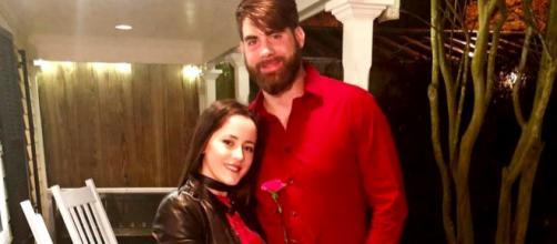 Jenelle Evans poses with husband David. [Photo via Instagram]