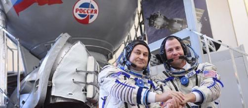 La nave Soyuz con dos astronautas a bordo aterriza de emergencia