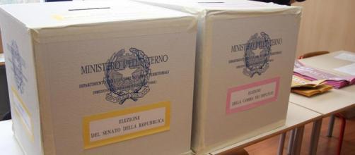 Urne elettorali in plexiglass e possibilità di voto anche lontano dalla sede di residenza per gli studenti fuori sede