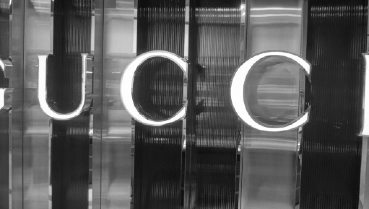 Gucci  900 posti di lavoro disponibili a Milano bb20b8146030