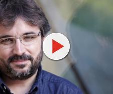 El patriotismo estalla en Twitter contra TVE y Évole por eliminar la bandera de España