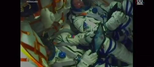 Soyuz precipita: gli astronauti stanno bene.