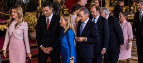 Error de protocolo de Sánchez en el besamanos