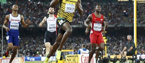 El 'relámpago' Usain Bolt también revienta los 200 metros | Público - publico.es