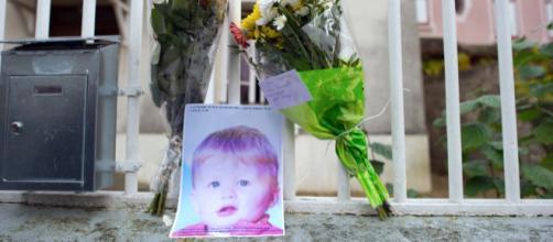 Les parents du petit Bastien, tué dans un lave-linge, devant la ... - lefigaro.fr