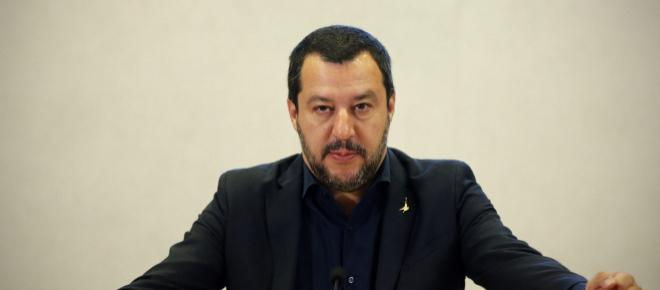 Terrorismo in Trentino, bomba carta contro sede Lega, Salvini: 'Non ci fermeranno'