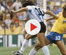 Brasile-Argentina, a cavallo tra gli anni '70 ed '80 fu sfida nella sfida tra Diego Maradona e Zico