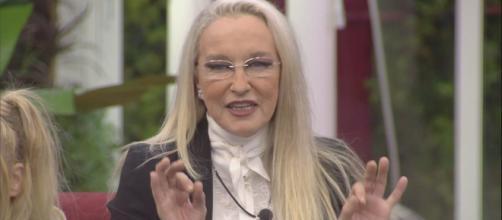 Grande Fratello VIP, Eleonora Giorgi attacca: 'Benedetta Mazza ha il sedere enorme'