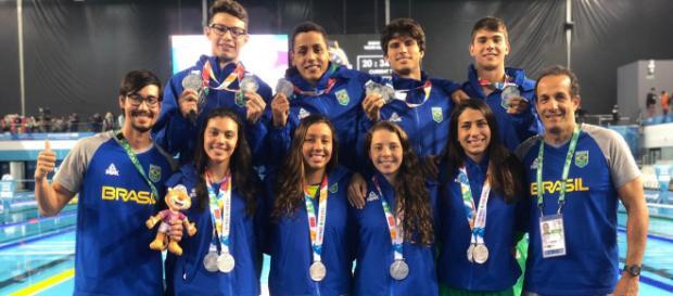 Natação brasileira é um dos grandes destaques dos Jogos da Juventude em Buenos Aires.