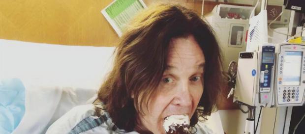 "Ozzy Osbourne, no Cedars Sinal, após cirurgias: ""sorvete ajuda!"""