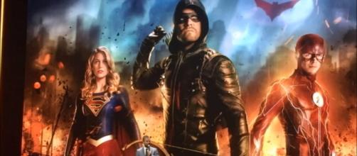 Stephen Amell stated that Batman appearance will not be ruled out in the Arrowverse [Image Credit: The Black Lion/YouTube screencap]