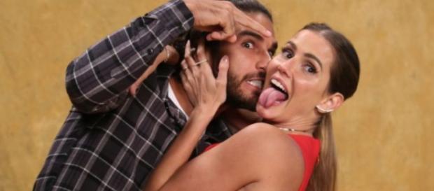 Deborah Secco e Hugor Moura irão esquentar a telinha da Globo. (foto reprodução).