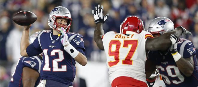 Patriots ganan 43-40 y quitan invicto a KC con otro pase clutch más de Brady a Gronk