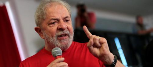 De acordo com a mensagem Lula, seria entrevistado um dia antes da eleição
