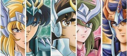 Hyoga, Shiryu, Seya, Shun e Ikky, os cavaleiros de bronze de Athena.