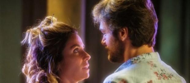 Agora é a vez de Beto Falcão descobrir que Valentim é o filho que ele teve com Luzia. (foto reprodução)