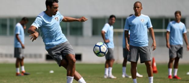Com três gols, Júnior Dutra foi o destaque da vitória do Flu sobre o Maricá em jogo-treino (Foto: Lucas Merçon)