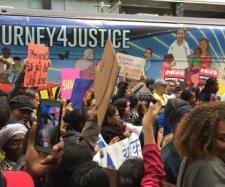 Caravana de inmigrantes hondureños a EE.UU. entre el peligro y la vida. - rtve.es
